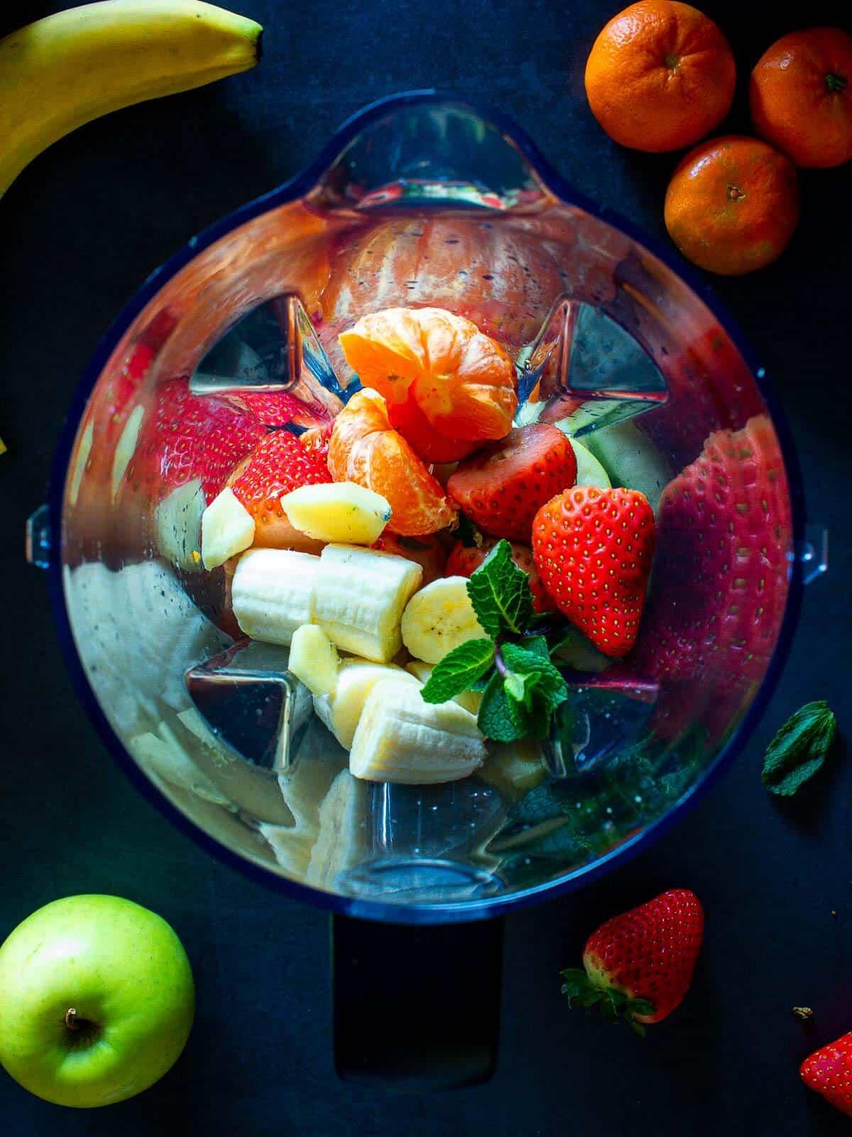 Strawberry Banana Smoothie ingredients in Blender