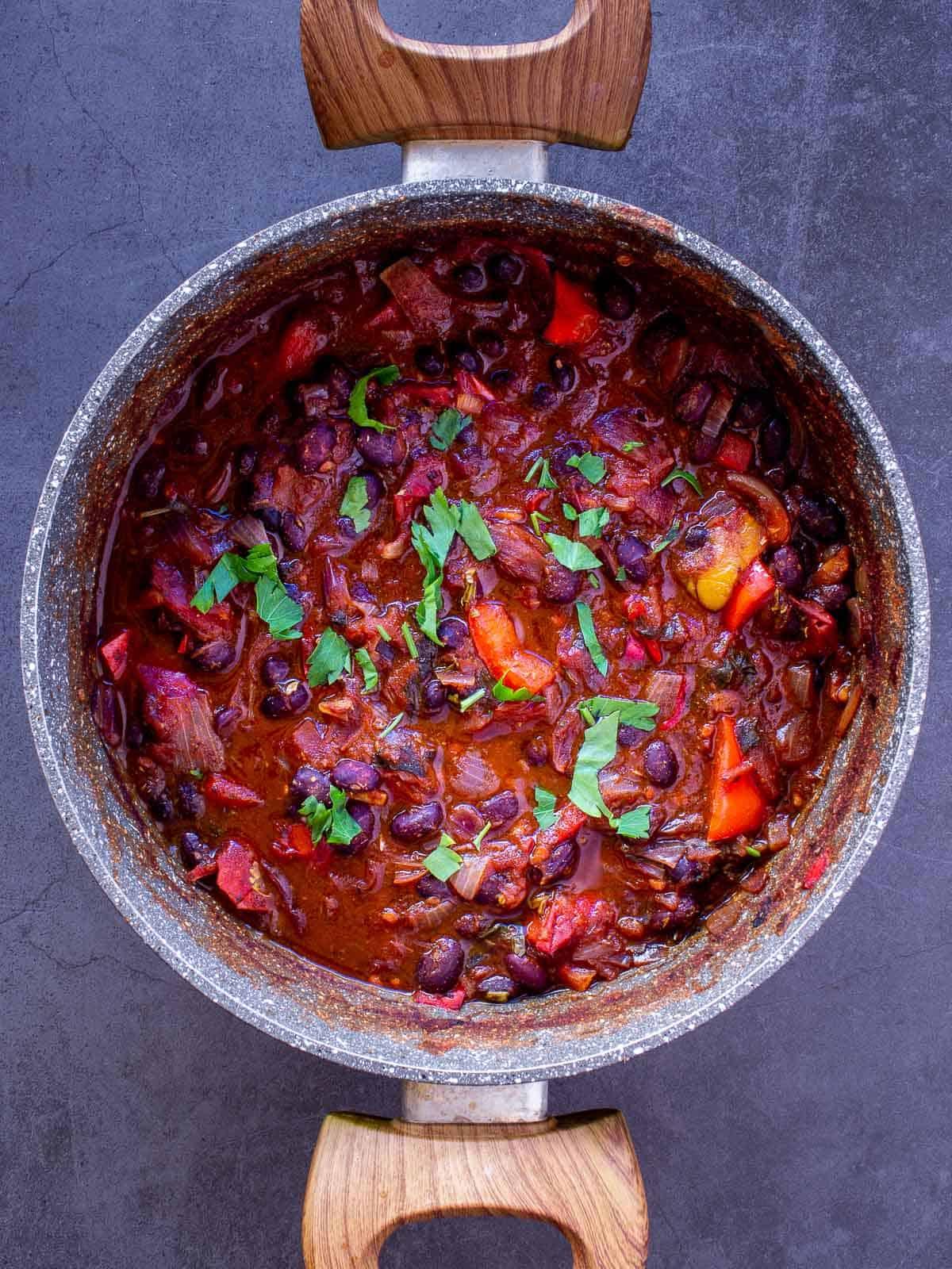 vegan chili in saucepan