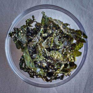 crispy kale snack featured