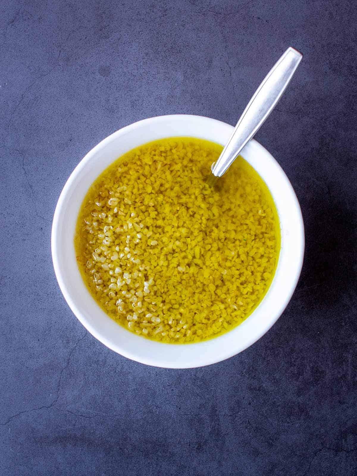 Olive oil, lemon juice and burghul marinade
