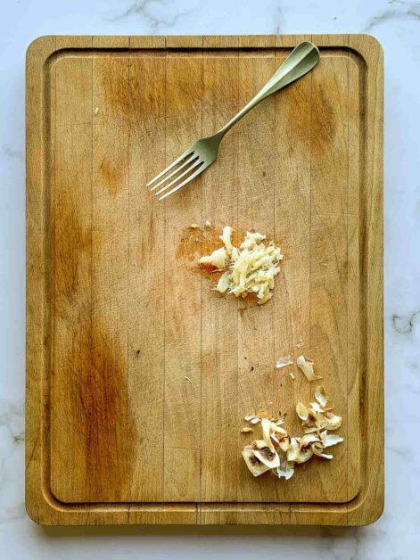 mashed roasted garlic