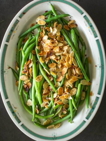 green beans with toasted salmonds