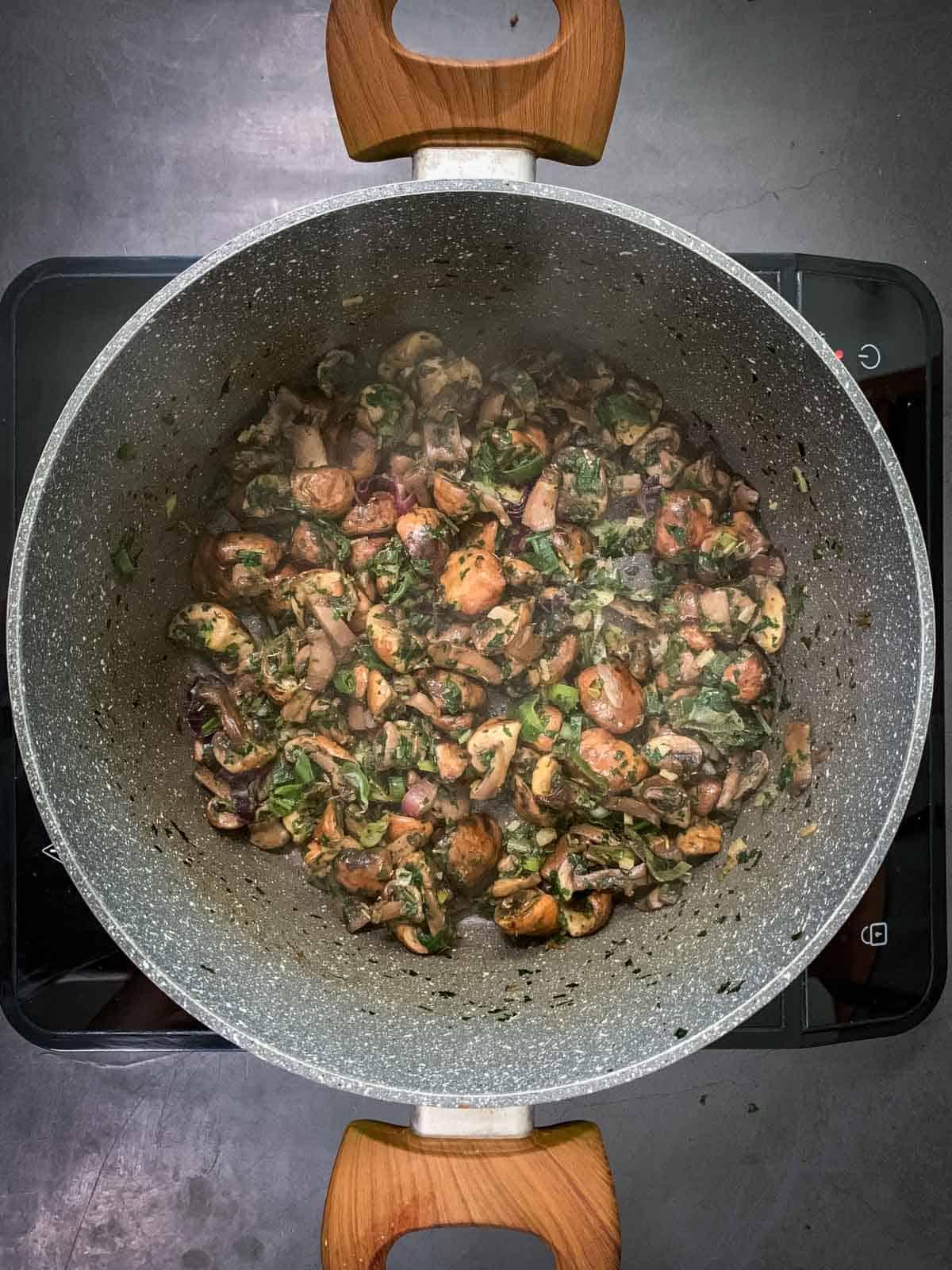 Mushroom empanadas Filling