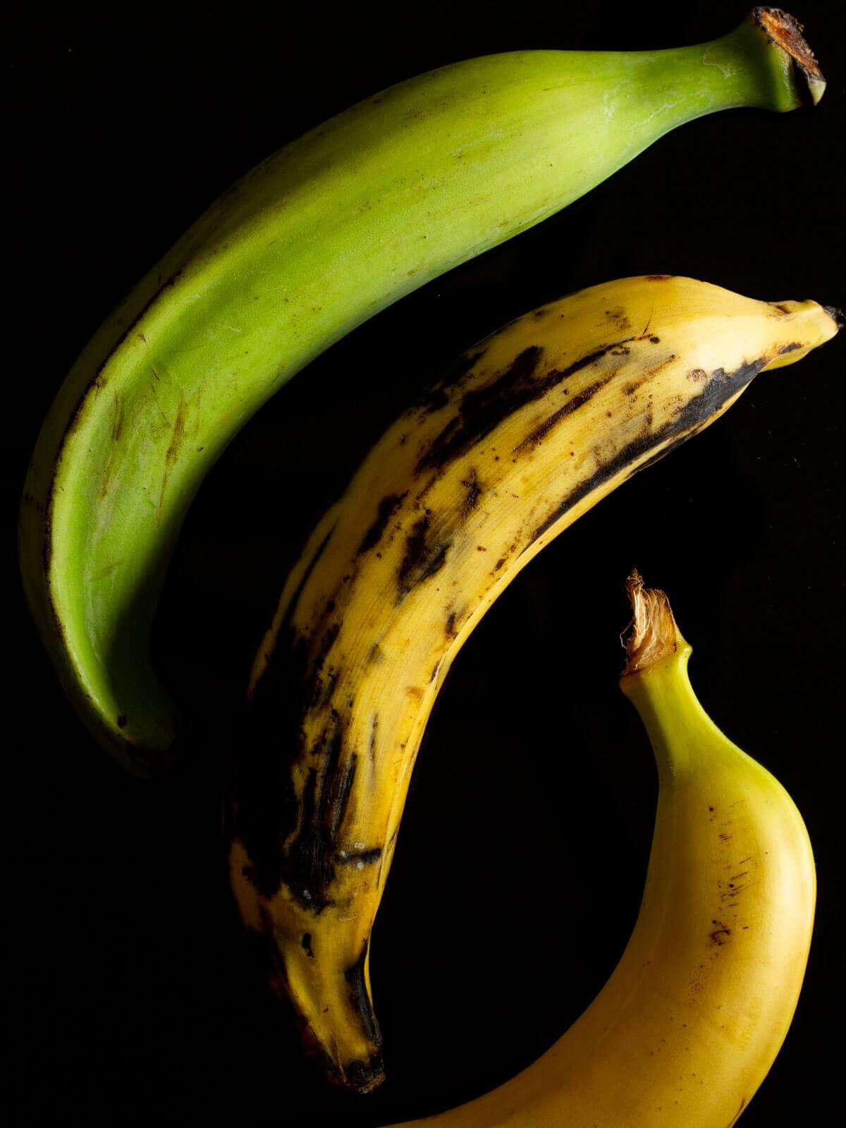 green plantains, ripe plantains and bananas comparison
