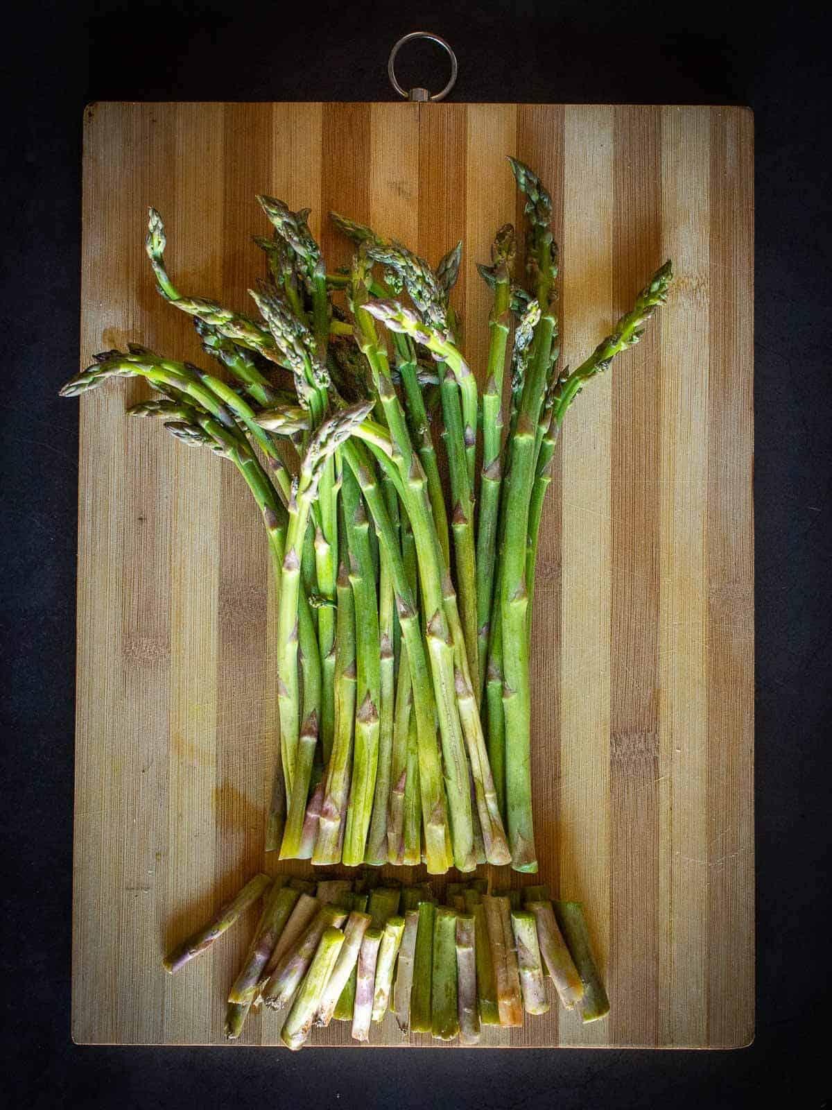 How to cut asparagus stems