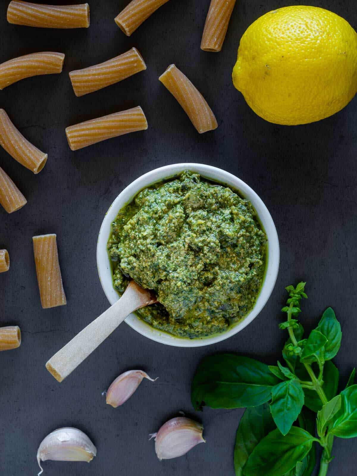 5 Minutes Vegan Pesto