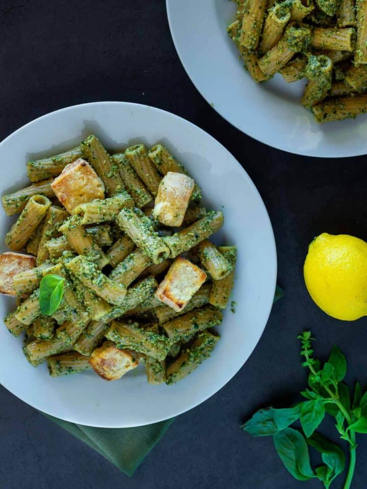 5 Minutes Vegan Pesto with Crispy Tofu