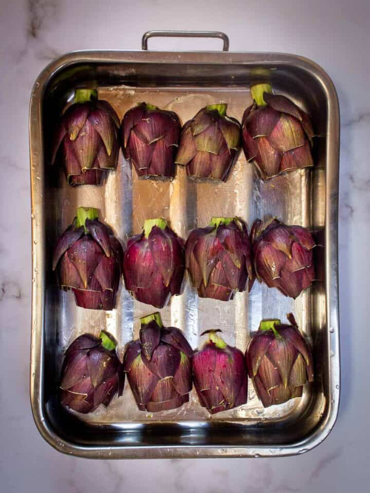 artichokes in tray